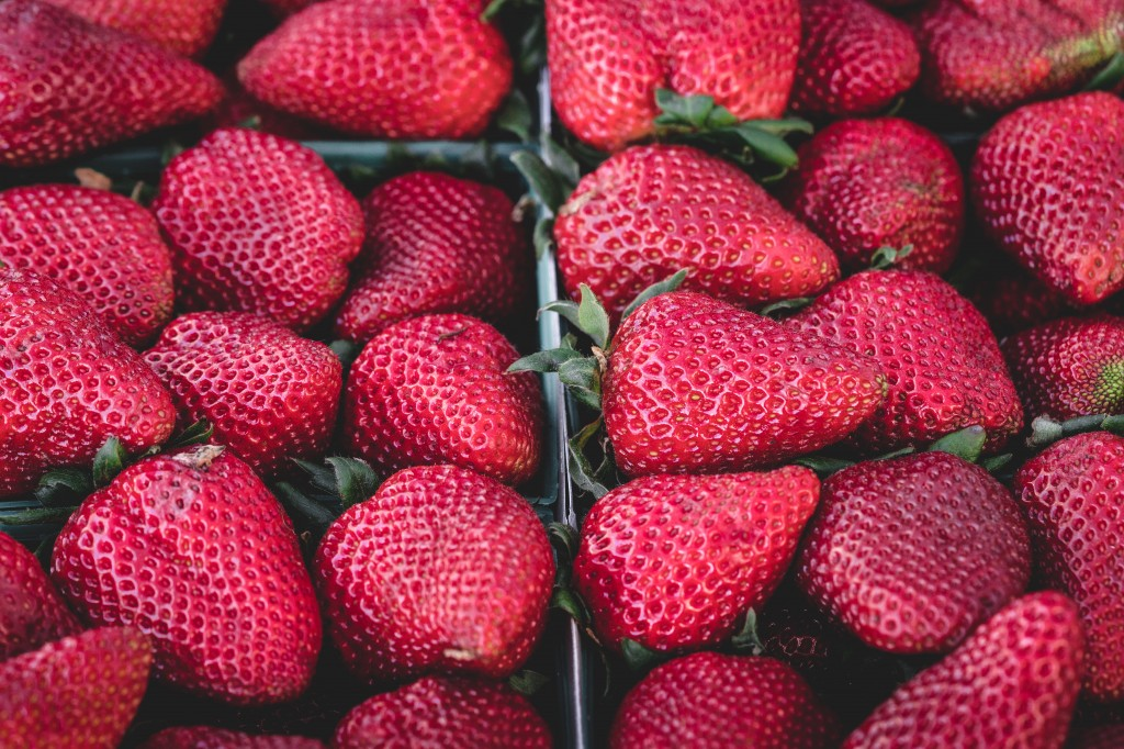 Farmers Market - Photo by Veeterzy (Unsplash)